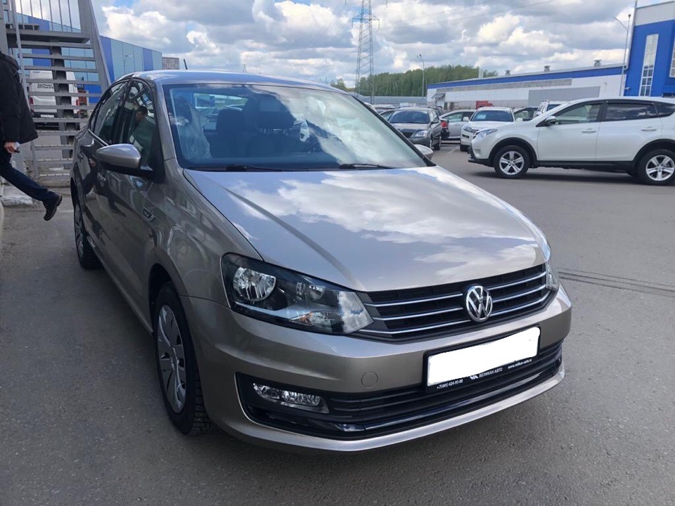 Подбор автомобиля под ключ Volkswagen Polo для Алексея.